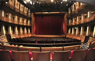 Η απόφαση της κυβέρνησης να λειτουργήσουν τον χειμώνα τα θέατρα με ποσοστό πληρότητας που δεν θα υπερβαίνει το 60% δεν σώζει τον κόσμο του θεάτρου