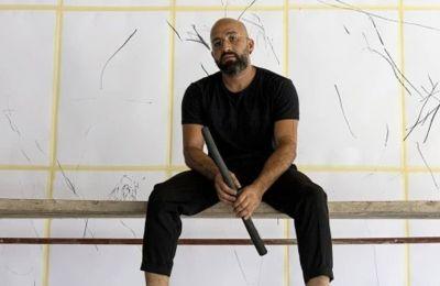 Ο καλλιτέχνης, μετέτρεψε τον κατεστραμμένο, κενό χώρο της Galerie Tanit σε έναν τόπο γεμάτο ζωή και ζωτικότητα με ένα νέο πρότζεκτ με τίτλο «Today, I Would Like to Be a Tree»