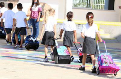 Οι αναγκαίες τροποποιήσεις στο Υγειονομικό Πρωτόκολλο καθώς και στα συμπληρωματικά υγειονομικά πρωτόκολλα θα προωθηθούν τη Δευτέρα στα σχολεία.