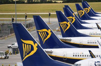 Η διοίκηση της Ryanair εξαπέλυσε πυρά προς την την ιρλανδική κυβέρνηση, κάνοντας λόγο για «λαθεμένη εφαρμογή των ταξιδιωτικών πολιτικών» (φωτο αρχείου)