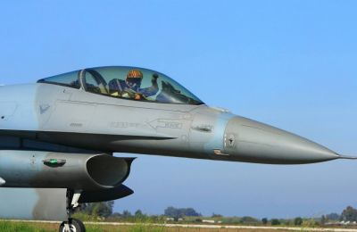Ο Έλληνας πιλότος αναλύει, μέσα από την εμπειρία του, τα επιχειρησιακά δεδομένα του αεροσκάφους.