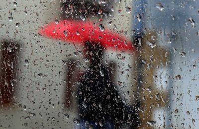 Η θερμοκρασία δεν αναμένεται να σημειώσει αξιόλογη μεταβολή κατά το τριήμερο, για να παραμείνει κοντά στις μέσες κλιματολογικές τιμές.