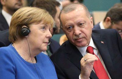 Υπενθυμίζεται ότι την Πέμπτη και την Παρασκευή θα λάβει χώρα έκτακτη Σύνοδος Κορυφής κατά την οποία το μέλλον των σχέσεων Ε.Ε.-Τουρκίας θα είναι από τα βασικά θέματα στη ατζέντα.