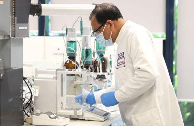 Η AstraZeneca απεκάλυψε το Σάββατο λεπτομέρειες σχετικά με τα αποτελέσματα της τρίτης φάσης του υπό δοκιμή εμβολίου της κατά του κορωνοϊού (φωτο ΚΥΠΕ).