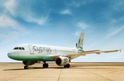 Οι επιβάτες μπορούν να κλείσουν τα εισιτήρια τους μέσω της ιστοσελίδας cyprusairways.com (φωτο ΚΥΠΕ)