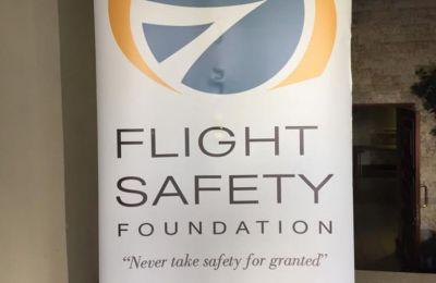 Αναφέρει τέλος ότι δημιουργούνται κίνδυνοι στην ασφάλεια πτήσεων, κάτι το οποίο «καμιά Κυβέρνηση δεν θα ήθελε να φέρει την ευθύνη»