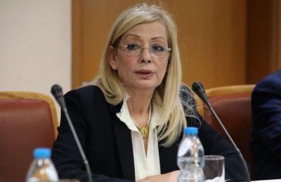 «Έχει εγκριθεί και κατατεθεί στη Βουλή νομοσχέδιο με το οποίο ζητείται η επέκταση της αρμοδιότητας της Υπουργού να εκδίδει αποφάσεις για στήριξη των εργαζομένων».