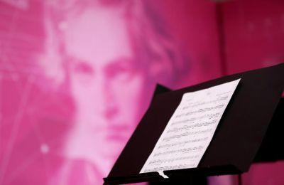 Η Ορχήστρα επιλέγει δύο «ηρωικά» έργα του μεγάλου συνθέτη, την 3η Συμφωνία και την Εισαγωγή Egmont