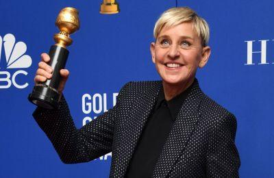 Αφού είπε με σαρκασμό ότι είχε ένα «υπέροχο, σούπερ καταπληκτικό» καλοκαίρι, η Ellen μπήκε κατευθείαν στο «ψητό» για τις καταγγελίες και την έρευνα της WarnerMedia