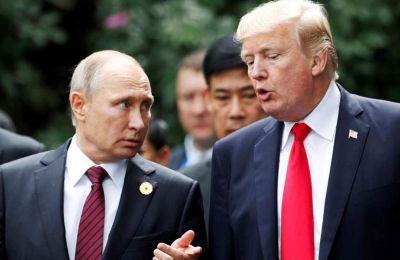 Οι αμερικανικές μυστικές υπηρεσίες ισχυρίζονται ρωσική ανάμιξη στις εκλογές του 2016 με στόχο να επηρεάσουν το αποτέλεσμα υπέρ του Τραμπ.