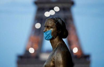 Τα κρούσματα ξεπέρασαν το μισό εκατομμύριο στην Γαλλία.