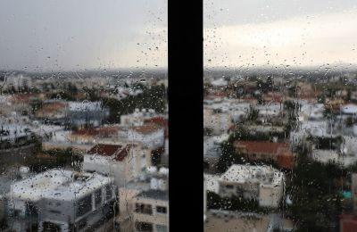 Την Κυριακή, τη Δευτέρα και την Τρίτη ο καιρός θα είναι κυρίως αίθριος. Από τη Δευτέρα πιθανό να παρατηρείται αραιή σκόνη.