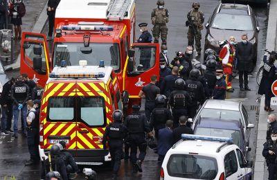 Η περιοχή γύρω από την πλατεία της Βαστίλλης τέθηκε σε συναγερμό, καθώς οι Αρχές αναζητούσαν πιθανούς συνεργούς