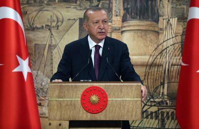 Ο κ. Μακρόν ζητεί από τον κ. Ερντογάν να διασφαλίσει ότι η Τουρκία δεν έχει εδαφικές βλέψεις έναντι της Συρίας (φωτο: ΚΥΠΕ)