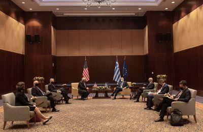 «Θα συνεχίσουμε να επενδύουμε στη Βόρεια Ελλάδα και στηρίζουμε τις προσπάθειες της Ελλάδας για οικοδόμηση ειρήνης, σταθερότητας και ευημερίας στην Ανατολική Μεσόγειο», πρόσθεσε.