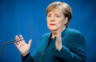 Η Καγκελάριος θα έχει τηλεδιάσκεψη με τους Πρωθυπουργούς των ομόσπονδων κρατιδίων της Γερμανίας προκειμένου να εξεταστεί το ενδεχόμενο λήψης συντονισμένων μέτρων για την πανδημία.
