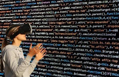 Στόχος του συνεδρίου, το οποίο θα πραγματοποιηθεί στα αγγλικά, είναι να παρουσιάσει και να αναδείξει σύγχρονες εφαρμογές VR στους τομείς των επιχειρήσεων και των κατασκευών.