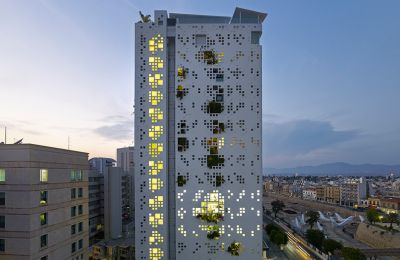 Το White Walls στη Λευκωσία, σχεδιασμένο από τον Jean Nouvel, τιμήθηκε το 2016 ως το καλύτερο ψηλό κτήριο στην Ευρώπη από το CTBUH.