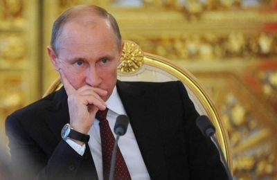 Η Ρωσία ενέκρινε τον Αύγουστο το ρωσικό εμβόλιο, υποστηρίζοντας ότι ήταν η πρώτη χώρα που βρήκε τρόπο να σταματήσει την πανδημία του κορωνοϊού.