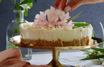 Εύκολο και εξαιρετικά νόστιμο για όσους αγαπάνε τη λευκή σοκολάτα