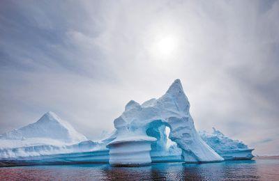 Το στρώμα του όζοντος προστατεύει τη ζωή στη γη από τις βλαπτικές συνέπειες της υπεριώδους ακτινοβολίας του ήλιου.