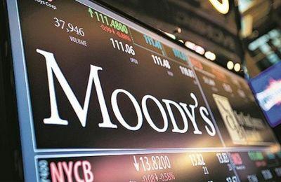 Ο Moody's αναθεώρησε την προοπτική του αξιόχρεου του βρετανικού δημοσίου σε «σταθερή», γεγονός που αντανακλά την εκτίμησή του ότι η κατάσταση οδεύει σε σταθεροποίηση.