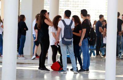 Κλείνουν σχολεία σε Λεμεσό και Πάφο λόγω κρουσμάτων