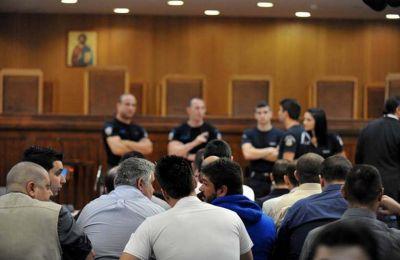 Η εισαγγελέας διαχώρισε μόνον τον Γιώργο Ρουπακιά, που έχει ισόβια και 14 χρόνια για τη στυγερή δολοφονία του Παύλου Φύσσα.