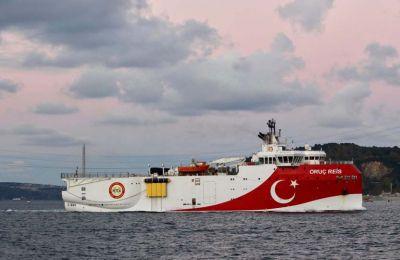 Είναι έκδηλες οι προθέσεις της Τουρκίας να παραμείνει το ερευνητικό σκάφος για αρκετό καιρό στην περιοχή.