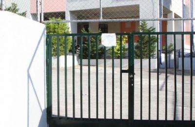 Σε κάθε σχολείο θα συσταθεί μια μικρή ομάδα για έλεγχο και χειρισμό των περιστατικών.