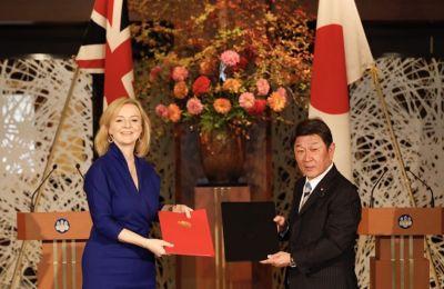Η συμφωνία είχε αποφασιστεί επί της αρχής το Σεπτέμβριο, τρεις μήνες αφότου είχαν αρχίσει οι επίσημες διαπραγματεύσεις.  Twitter/Liz Truss - UK Trade Secretary (@trussliz)