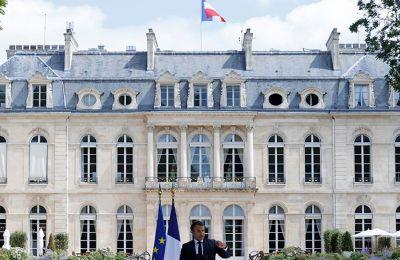 Το Ελιζέ στάθηκε επίσης στις «πολύ προσβλητικές δηλώσεις (σ.σ. του Ρετζέπ Ταγίπ Ερντογάν) τις τελευταίες ημέρες, ιδίως το κάλεσμα για μποϊκοτάζ στα γαλλικά προϊόντα».