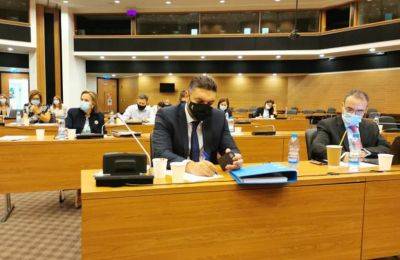 Έγκριση του προϋπολογισμού «λόγω της κρισιμότητας των στιγμών», ζήτησε ο ΥΠΟΙΚ