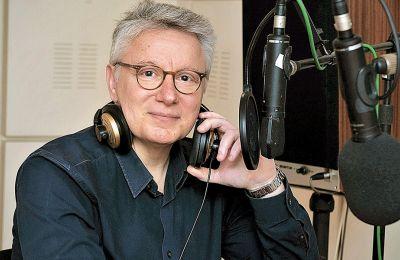 Ο Φώτης Απέργης είναι έμπειρος δημοσιογράφος και ραδιοφωνικός παραγωγός (φωτ. Λευτέρης Σαμοθράκης)