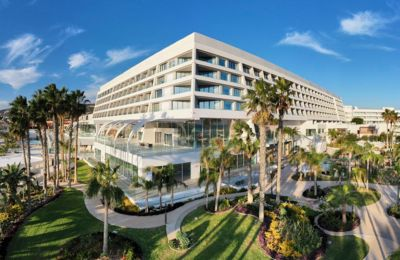 Η Parklane είναι η ιδιοκτήτρια εταιρεία του πολυτελούς ξενοδοχειακού συγκροτήματος Parklane, a Luxury Collection Resort & Spa, Limassol, το οποίο έχει επαναλειτουργήσει τον Μάρτιο του 2019.