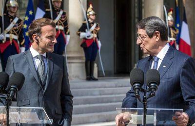 Πρόεδρος: Η επίθεση κατά του Μακρόν προσβάλλει βάναυσα τις ευρωπαϊκές αξίες