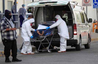 Πηγές ανέφεραν στο Reuters ότι οι γαλλικές αρχές αναζητούν επιλογές επιπλέον αυστηροποίησης των μέτρων για την καταπολέμηση της πανδημίας.