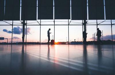 Χαρακτηριστικό είναι το γεγονός ότι τα 20 κορυφαία αεροδρόμια, κατά τους εννέα πρώτους μήνες του 2020, έχουν αυξήσει το χρέος τους κατά 16 δισεκατομμύρια ευρώ.