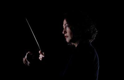 Τα Δύο κομμάτια για μικρή ορχήστρα φέρουν τους τίτλους «Ακούγοντας τον πρώτο κούκο την άνοιξη» και «Καλοκαιρινή βραδιά στο ποτάμι», είναι στην ουσία δύο συμφωνικά ποιήματα μινιατούρες πλούσια σε ήχους