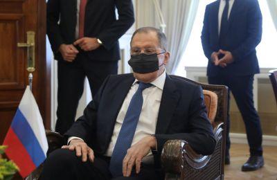 Τα προγραμματισμένα ταξίδια του κ. Λαβρόφ, καθώς και οι συναντήσεις του, αναβλήθηκαν.
