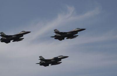 Μήνυμα προς όλους τους Έλληνες έστειλε ο πιλότος της Ομάδας Αεροπορικών Επιδείξεων Μεμονωμένου Αεροσκάφους F-16 ZEYΣ με αφορμή την εθνική επέτειο της 28ης Οκτωβρίου.