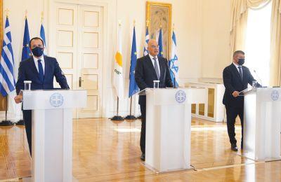 Η 1η τριμερής σε επίπεδο Υπουργών Εξωτερικών ασχολήθηκε με την έκρυθμη κατάσταση που έχει προκαλέσει στην περιοχή η Τουρκία, τονίζοντας πως τα περιφερειακά σχήματα ενισχύουν τη σταθερότητα της περιοχή