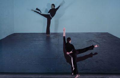 Κάθε χρόνο ενισχύονται οι χορευτικές γέφυρες με τους ξένους χορευτές και χορογράφους και είναι πάντοτε μια πρόσκληση στην απόλαυση της κίνησης και του χορού