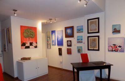Θα υπάρχουν επίσης έργα καλλιτεχνών όπως του Γκλύν Χιουζ, Λ. Οικονομου, Αντρ. Μακαρίου, Τάκη Παρλαβάντζα, Ρέα Μπέιλυ, Βίτο Ξενοδοχίδη κ. άλλων