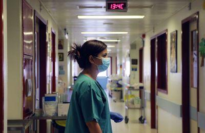 Το Παθολογικό Τμήμα φιλοξενούσε μέχρι χθες, περίπου 22 ασθενείς με παθολογικά, καρδιολογικά ή άλλα προβλήματα υγείας.