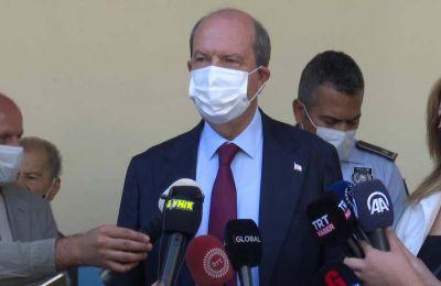 Ο κ. Τατάρ ρωτήθηκε τι είδους διαπραγματευτική διαδικασία θα διεξάγει με την ελληνοκυπριακή πλευρά και την συνόψισε λέγοντας «επιμονή στη λύση δύο κρατών»