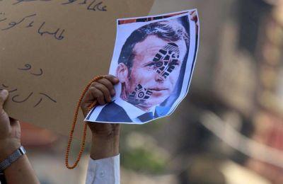 «Σπίθα» διαδηλώσεων κατά Γαλλίας
