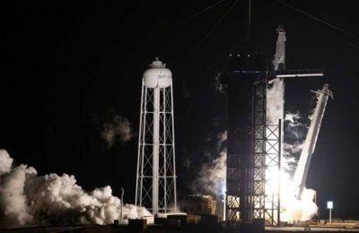 Space X – NASA: Ιστορική εκτόξευση «κουαρτέτου» αστροναυτών στον Διεθνή Διαστημικό Σταθμό