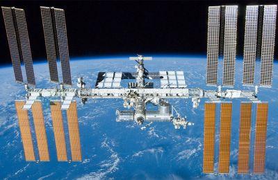 Ο Διεθνής Διαστημικός Σταθμός αποτέλεσε έμπρακτη απόδειξη της προσέγγισης –σε επιστημονικό τουλάχιστον επίπεδο– μεταξύ των πάλαι ποτέ αντιπάλων του Ψυχρού Πολέμου, HΠΑ και Ρωσίας.