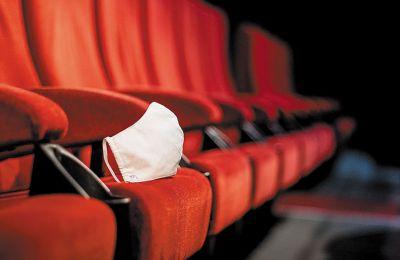 Νέες ταινίες μένουν μόνο τρεις εβδομάδες στις αίθουσες πριν πάρουν τον δρόμο για τις πλατφόρμες